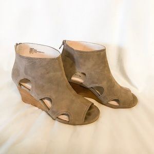 Torrid Open-toed Wedge Booties size 8W